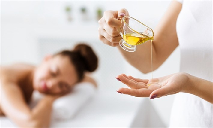 Oil massage service at home